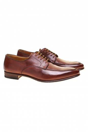 Cognac antique derby shoes
