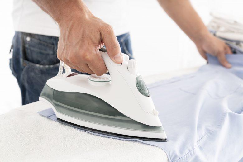 Cum să calci corect și rapid o cămașă