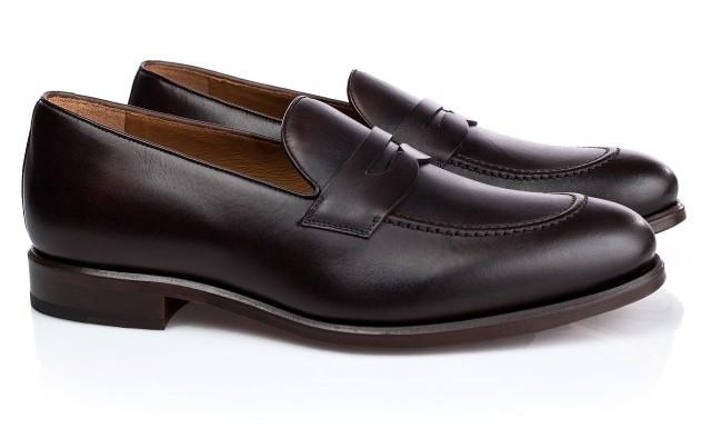 Black elegant loafers for men