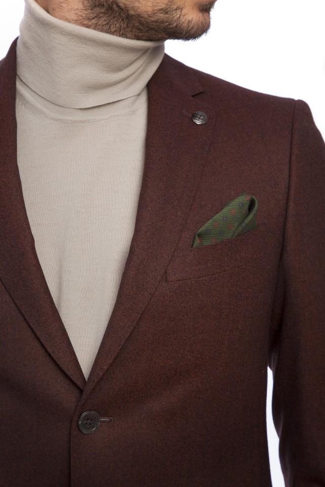 Costum maro barbatesc pentru mediul de afaceri, Tudor Tailor