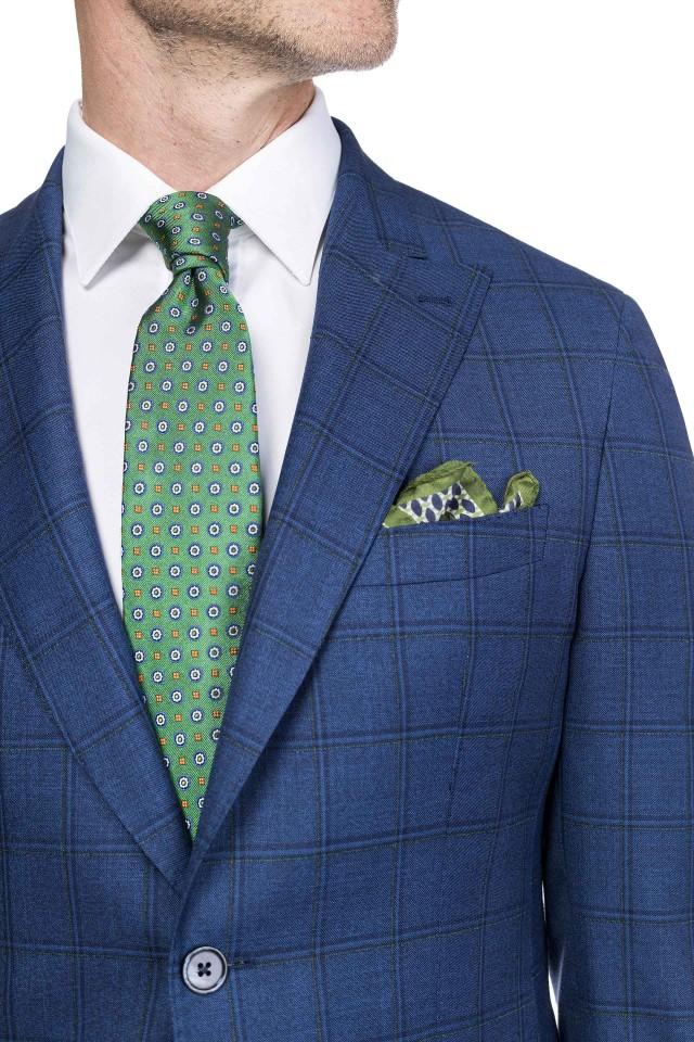 Set cadou pentru barbatii la 50 de ani, cu cravata si batista de buzunar