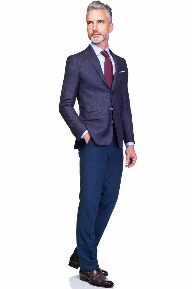 costum bleumarin smart casual in carouri