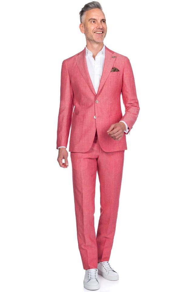 costum roz pentru vara