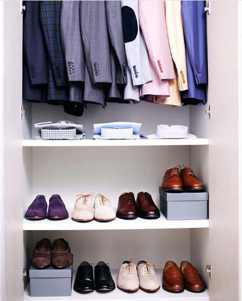Men shoes dressing