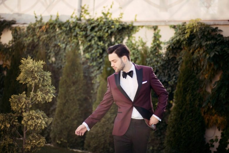 how to choose the groom suit
